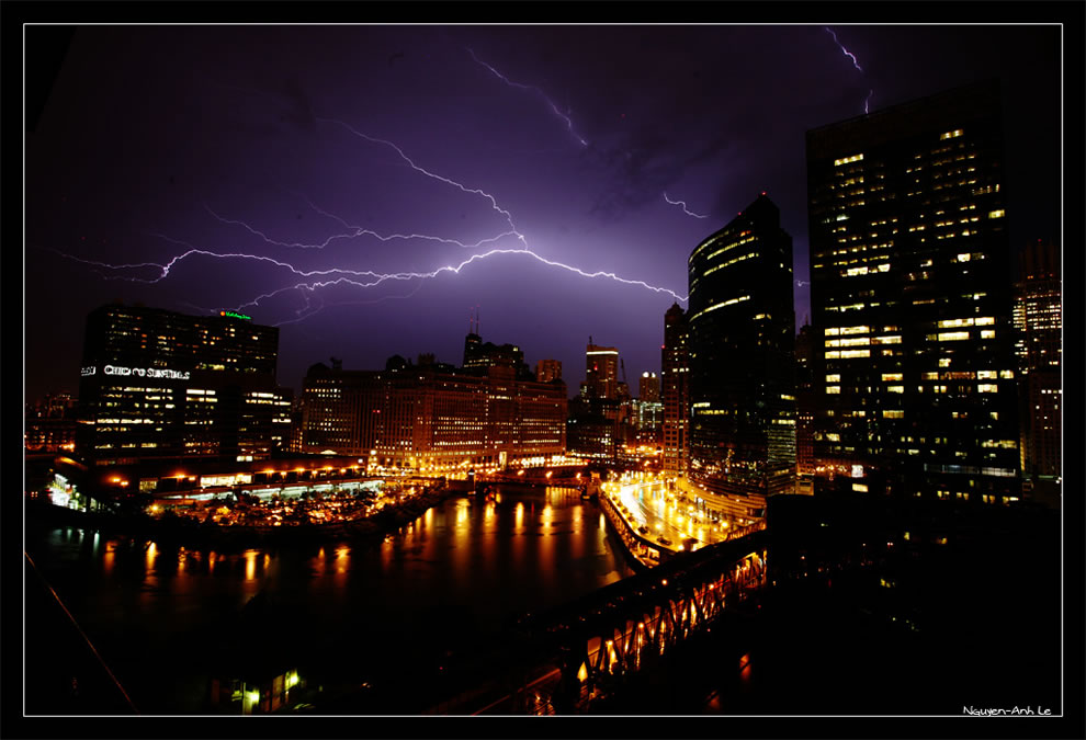 Electric Loop - lightning storm in Chicago