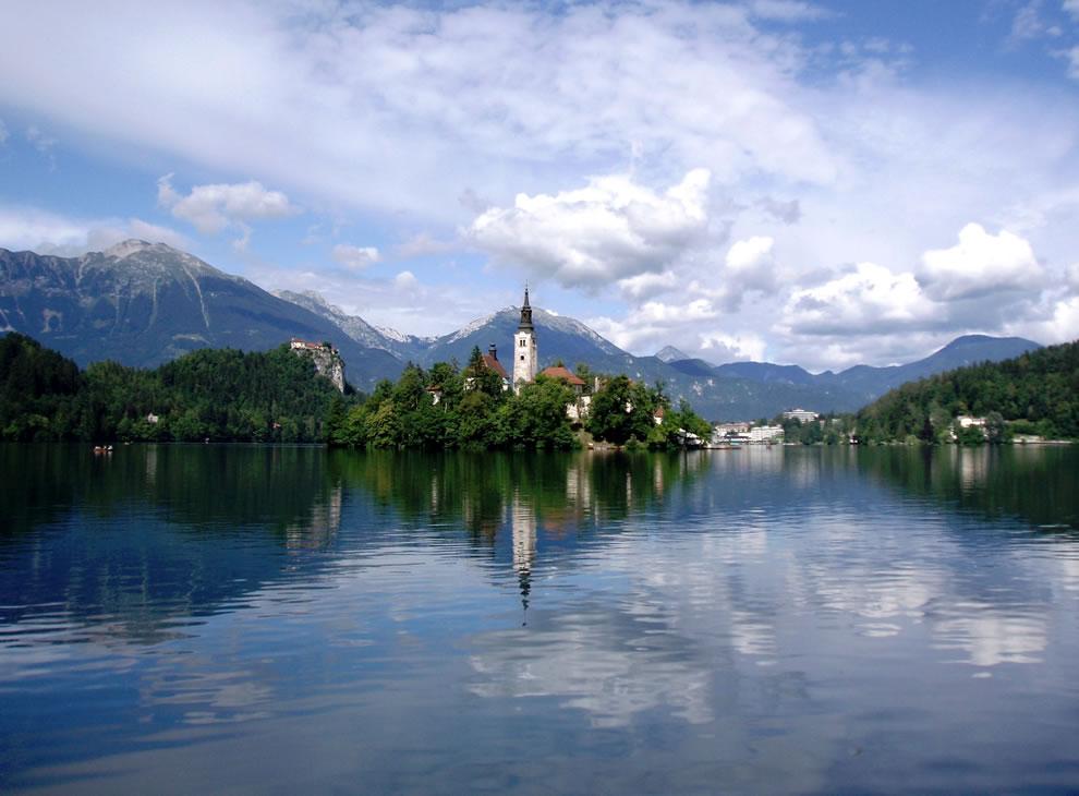 Lake-Bled-Slovenia.jpg (990×730)