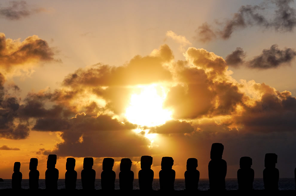 Tongariki sunrise, Easter Island