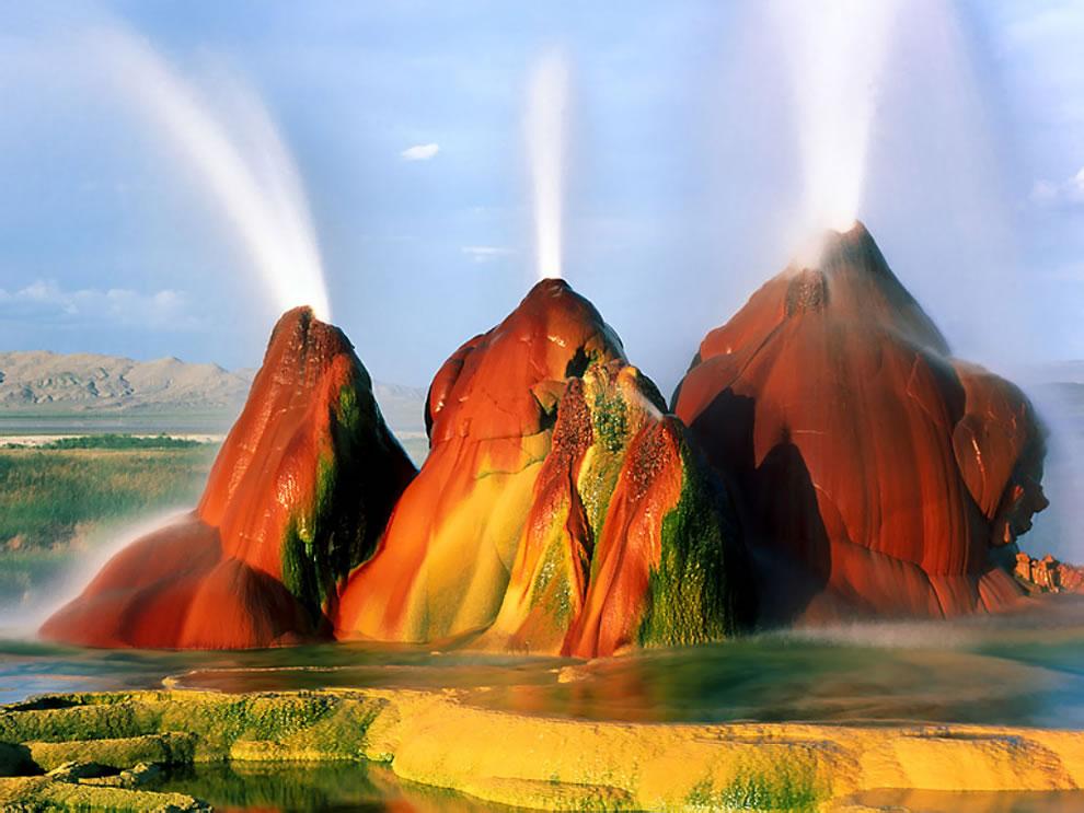 Fly Geyser Timed Exposure