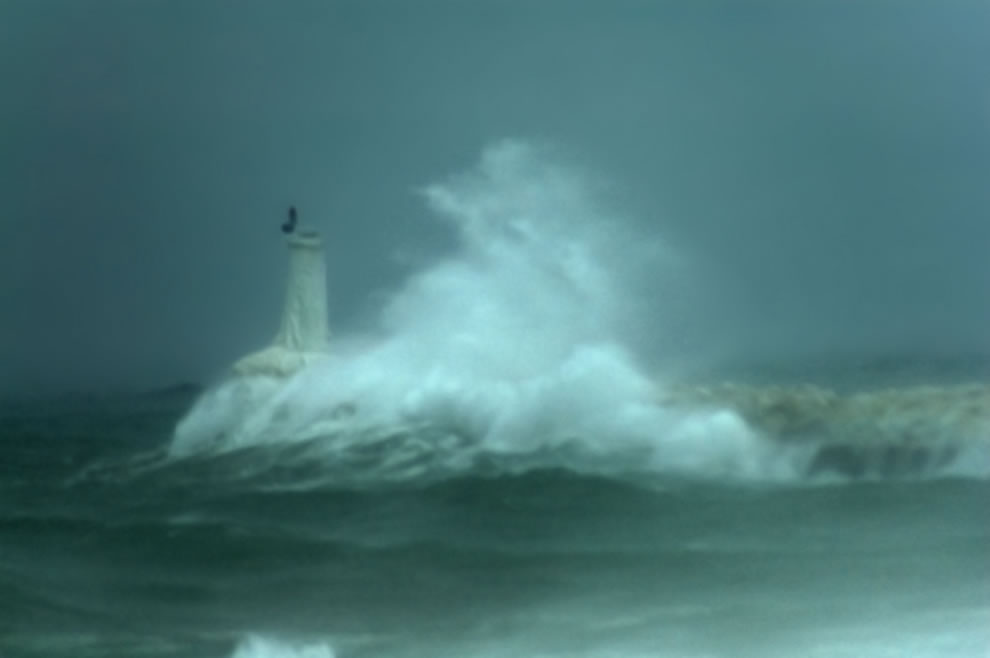 Petoskey Winter Storm  - huge waves vs lighthouse