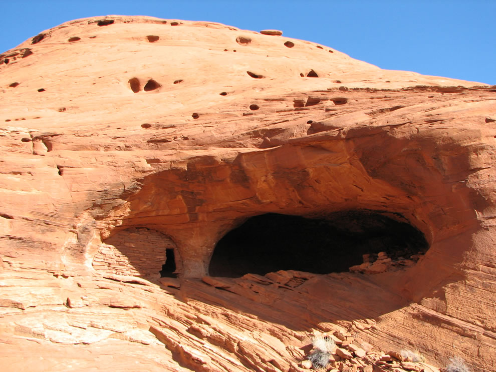 Anasazi dwelling, Mystery Valley, Monument Valley Navajo Tribal Park