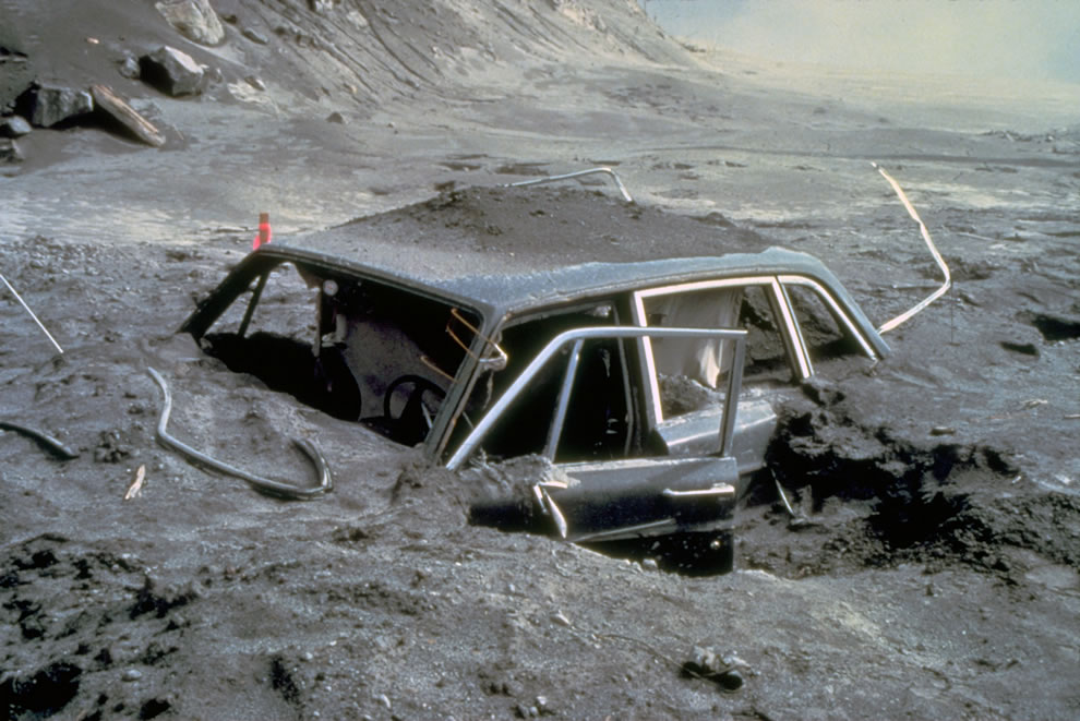 Car about 10 miles from Mount St Helens after eruption