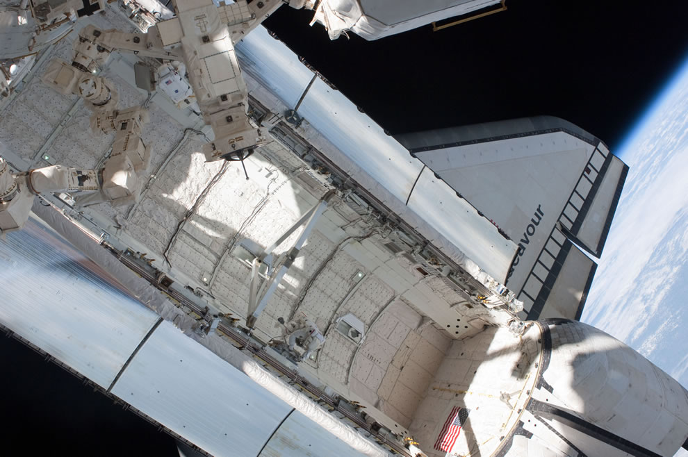 Day 5 STS-134 Endeavour with Earth in background May 20