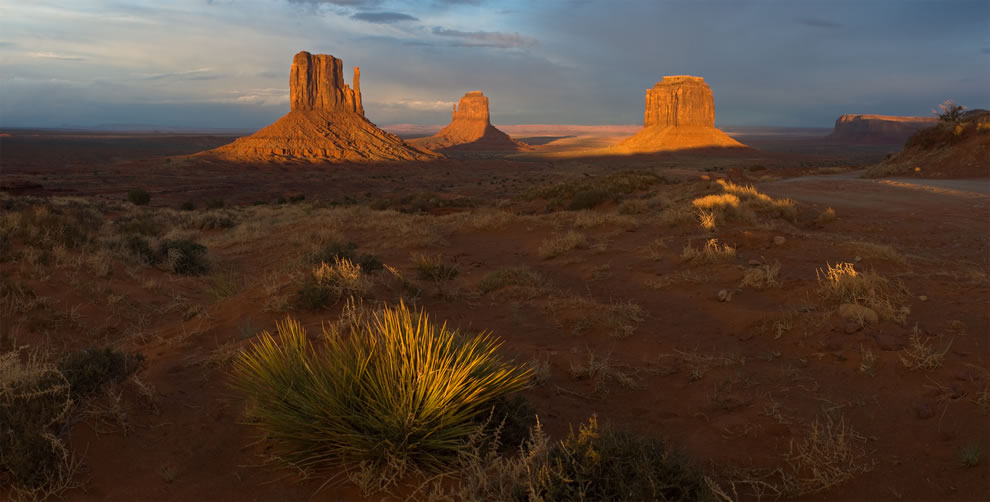 Monument Valley Navajo Tribal Park at sunset