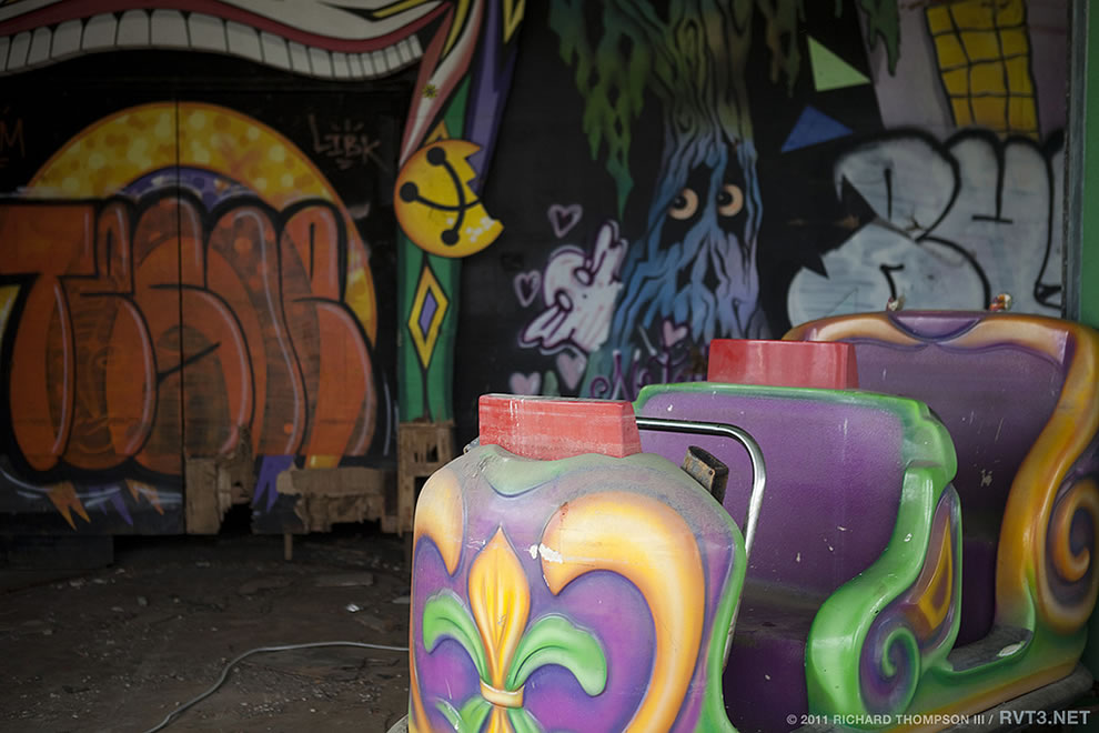 Spooky Abandoned Six Flags &#039;Jazzland Park&#039; 2011