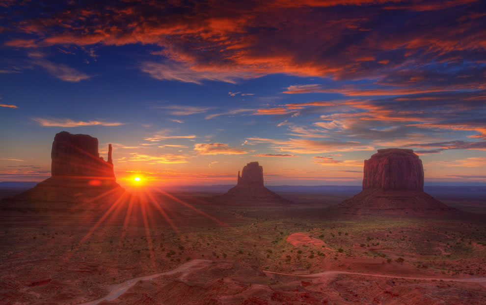 Sunrise - Navajo Nation - Monument Valley