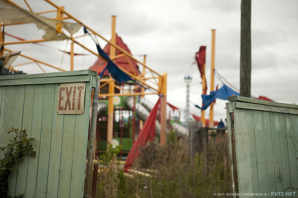 exit Abandoned Six Flags &#039;Jazzland&#039; Park, 2011