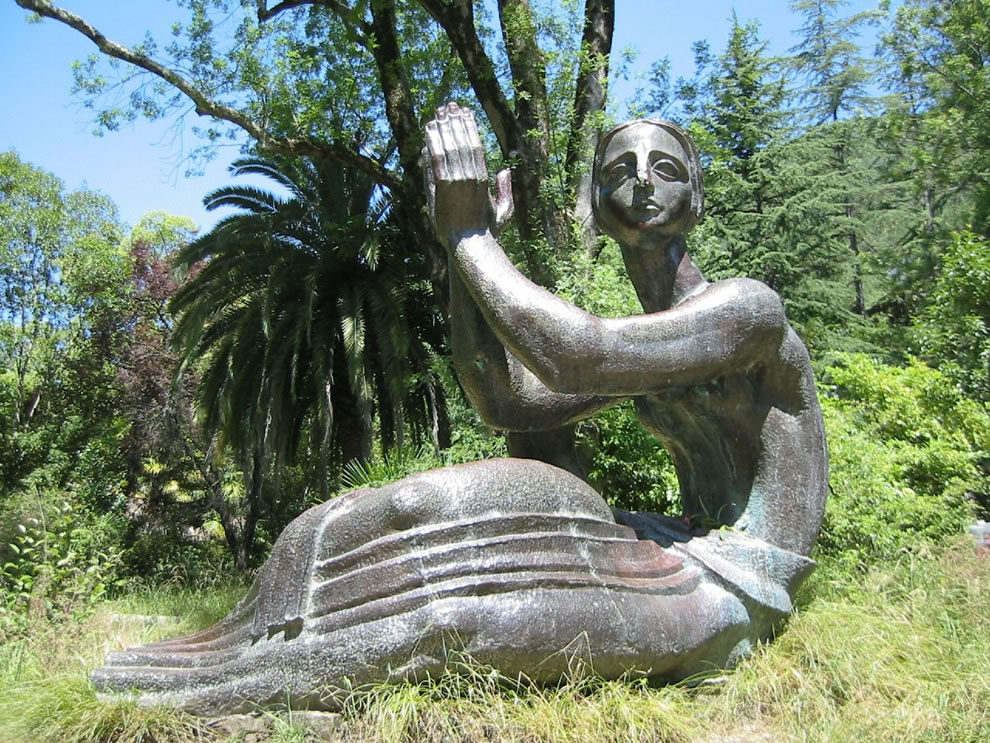Gagra statue