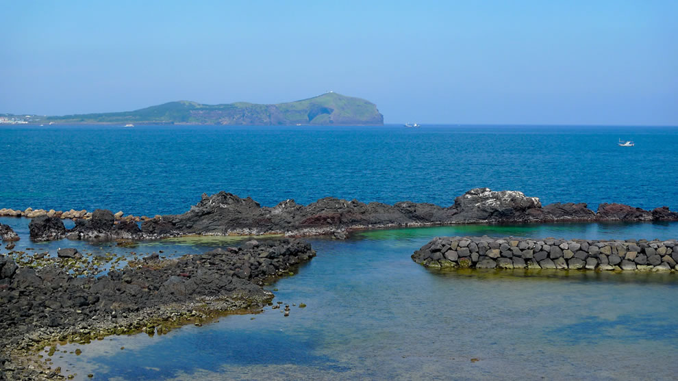 clear blue sea of JeJu Island