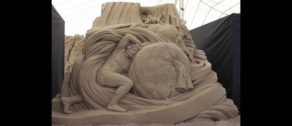 The Avaricious sand sculpture Dante's Inferno at Jesolo Lido