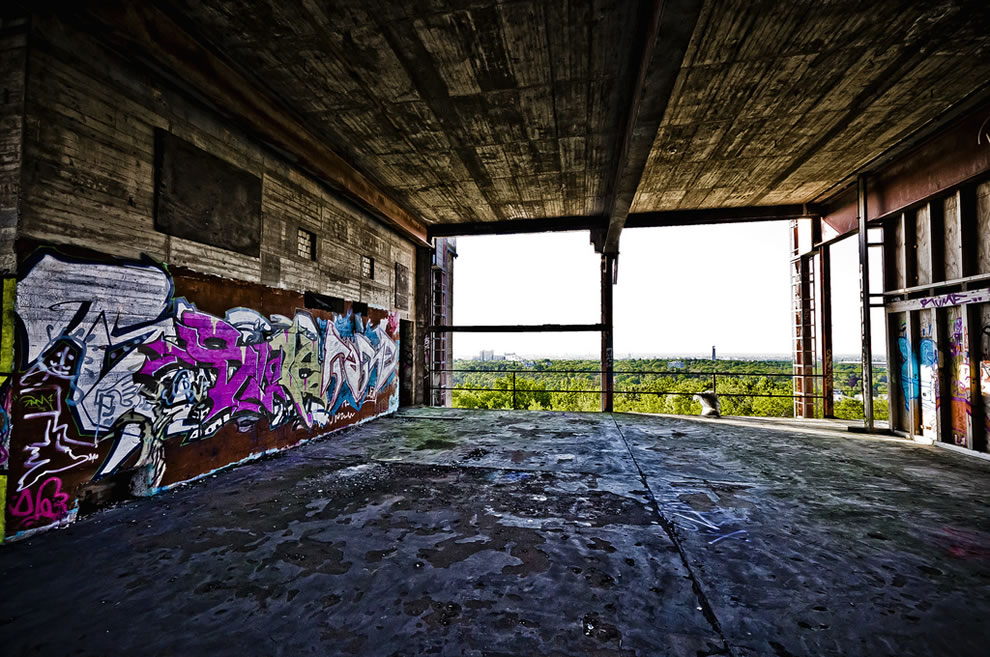 Graffiti and overlook at Teufelsberg
