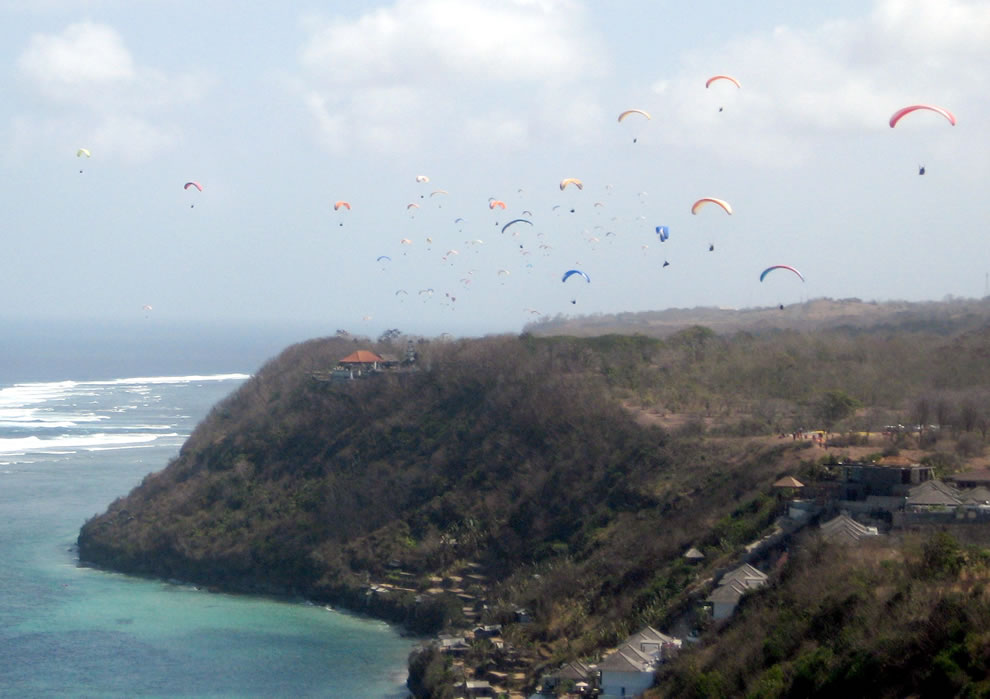 Indonesian world record paragliding attempt at Timbis in Bali