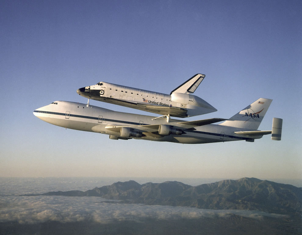 Shuttle Atlantis returning to Kennedy Space Center