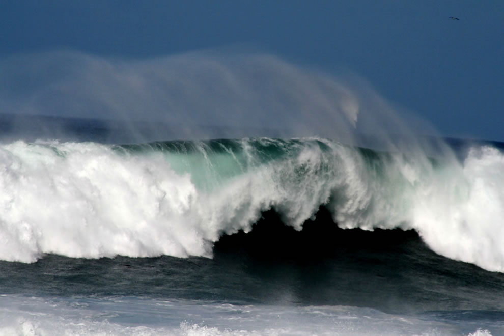 Awesome Wave at Fort Bragg, CA