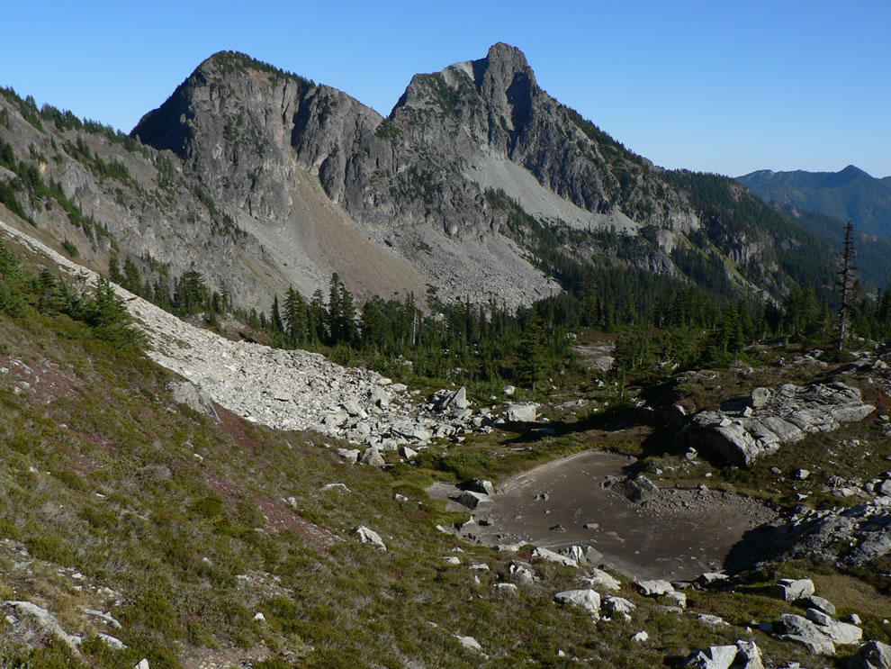 Box Ridge 'Nobox Mountain' (left, Point 6242 ft) and Hibox Mountain (right, 6547 ft)