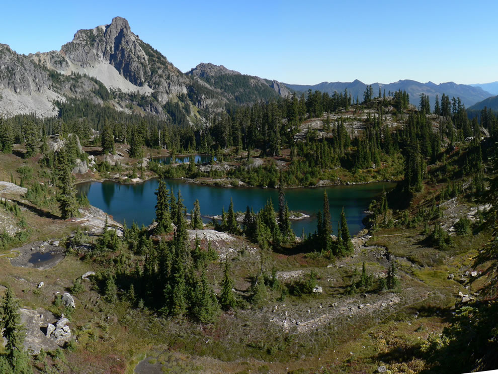 Lila Lake on Rampart Ridge, Hibox Mountain (6547 ft) on Box Ridge, Mountain Hemlock, Kachess Ridge (right skyline); stitched panorama