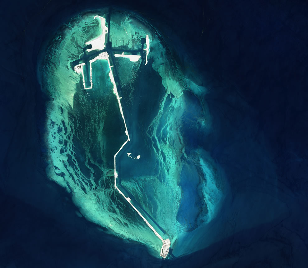 Manmade island in the Persian Gulf