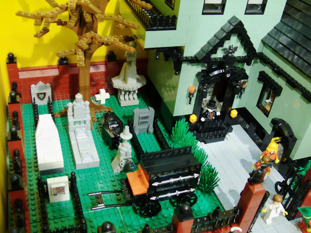 Lego Haunted House from above