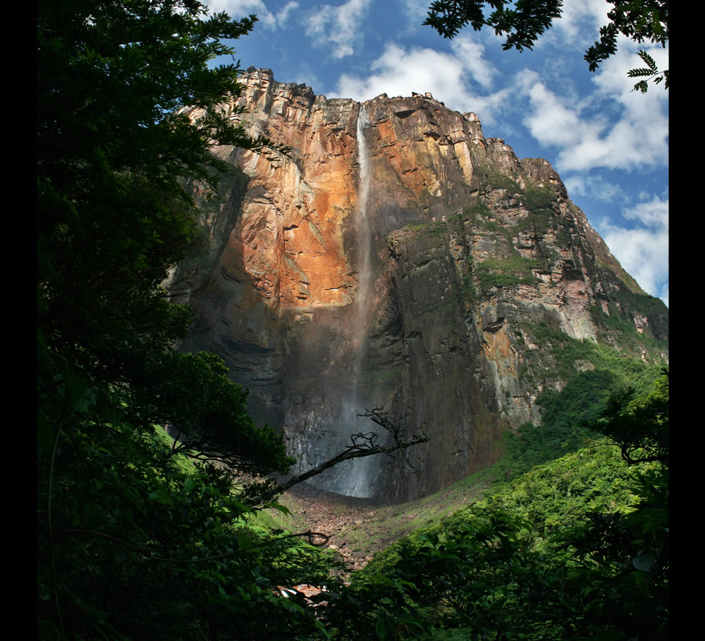 View of the Salto Angel taken during dry season, when the falls have a small discharge