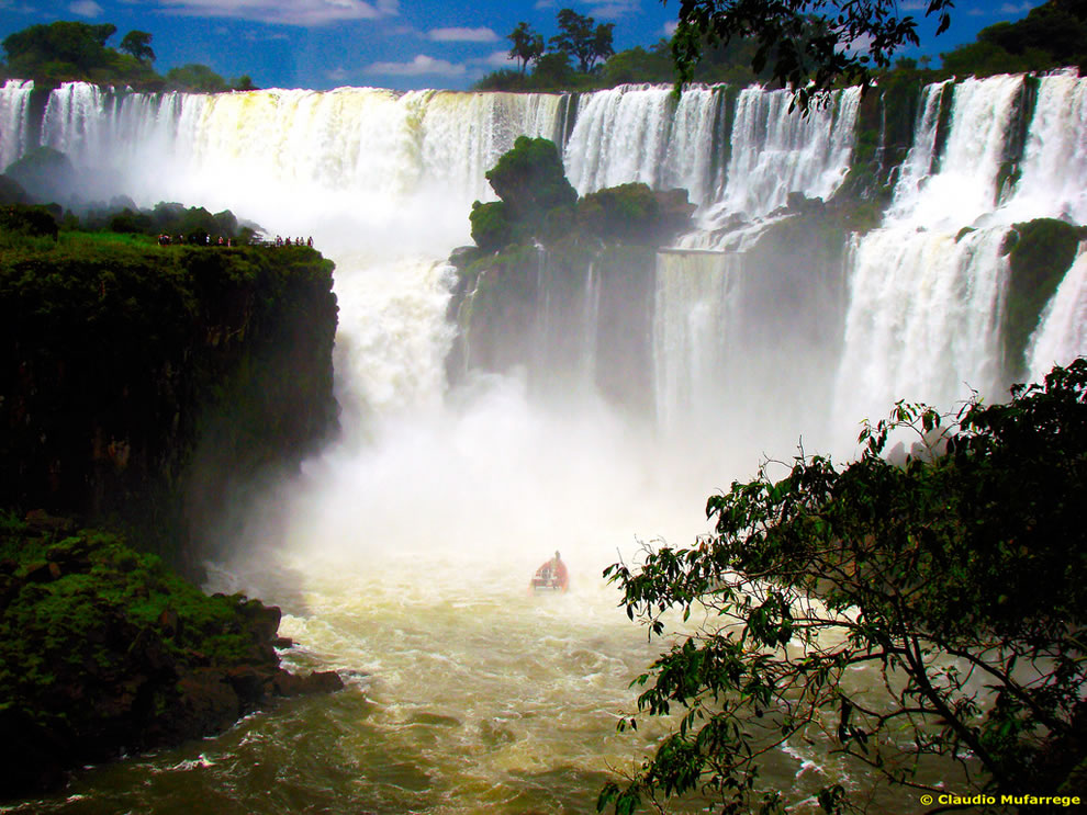 On a boat in Devil's Throat at Iguazù