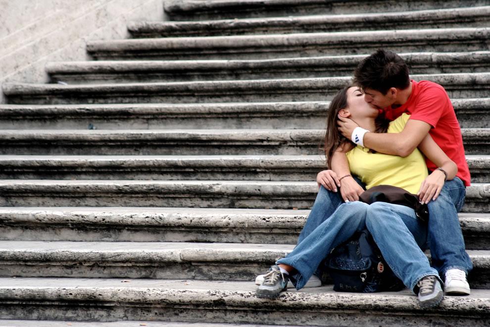 фото парня и девушки в самый романтичный момент крупным планом