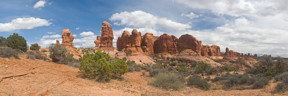 Panorama of the Garden of Eden in Arches National Park