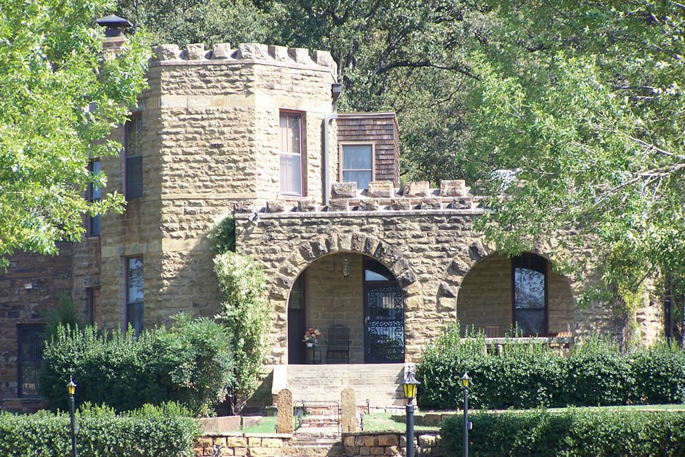 Captain's or Reynolds' Castle in OK