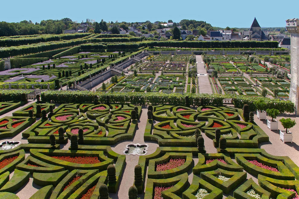 Views of the gardens of the Château de Villandry