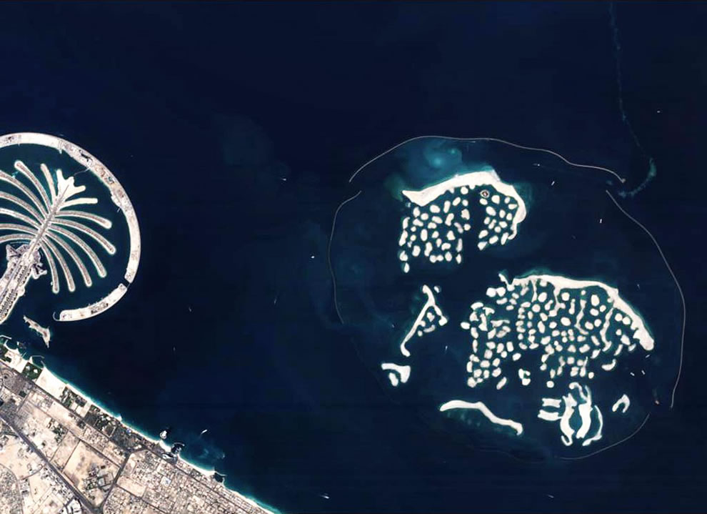 37 out of this world photos earth from above dubais artificial islands gumiabroncs Image collections