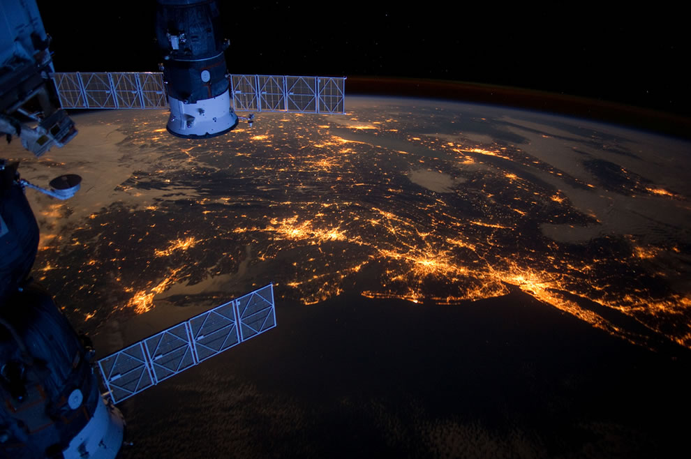 Earth as seen from the ISS, Atlantic Coast at Night