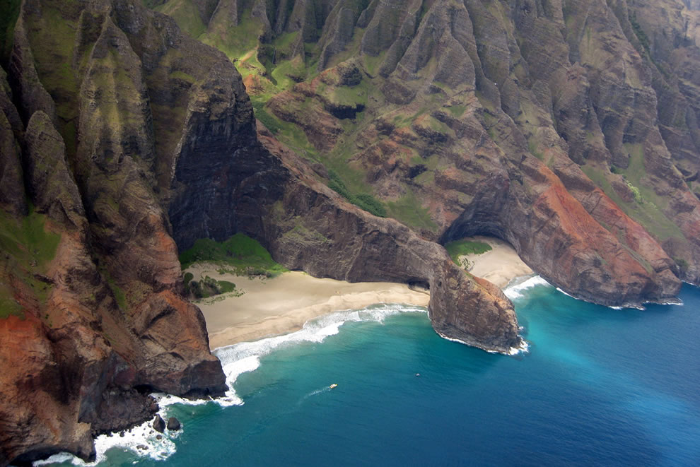 Kaua'i - Helicopter Tour, N Pali Coast - Honop Arch and Honop Beach