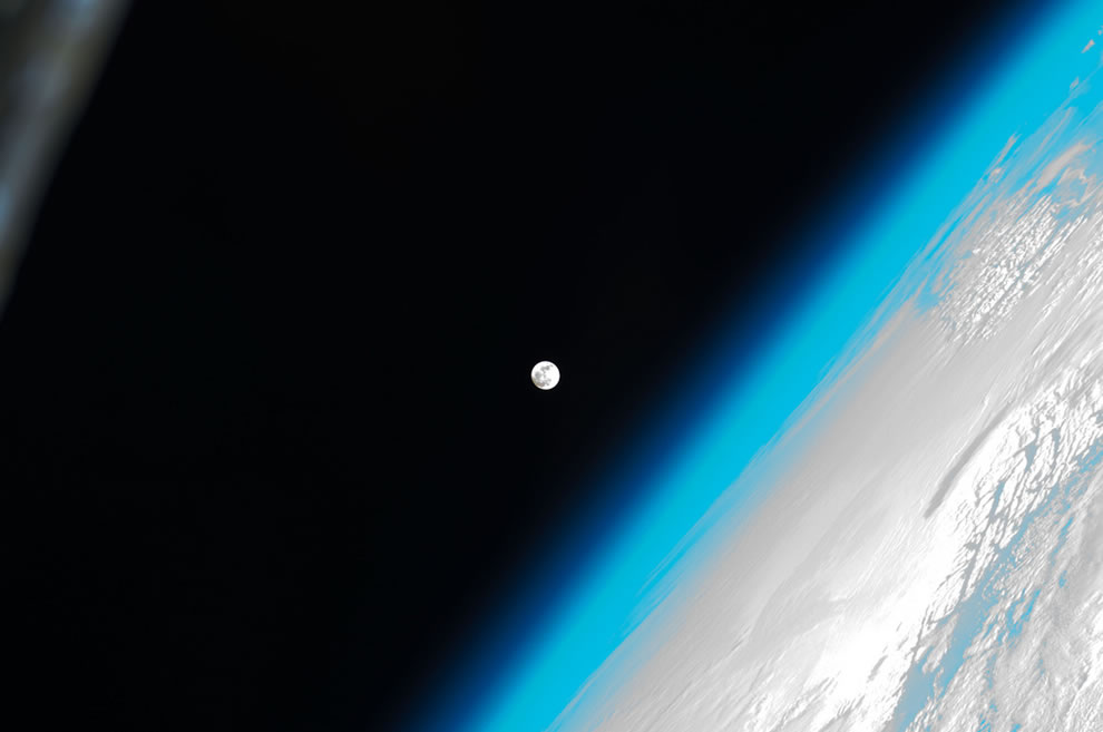 The Moon and Earth from the ISS with love (NASA, International Space Station, 01-08-12)