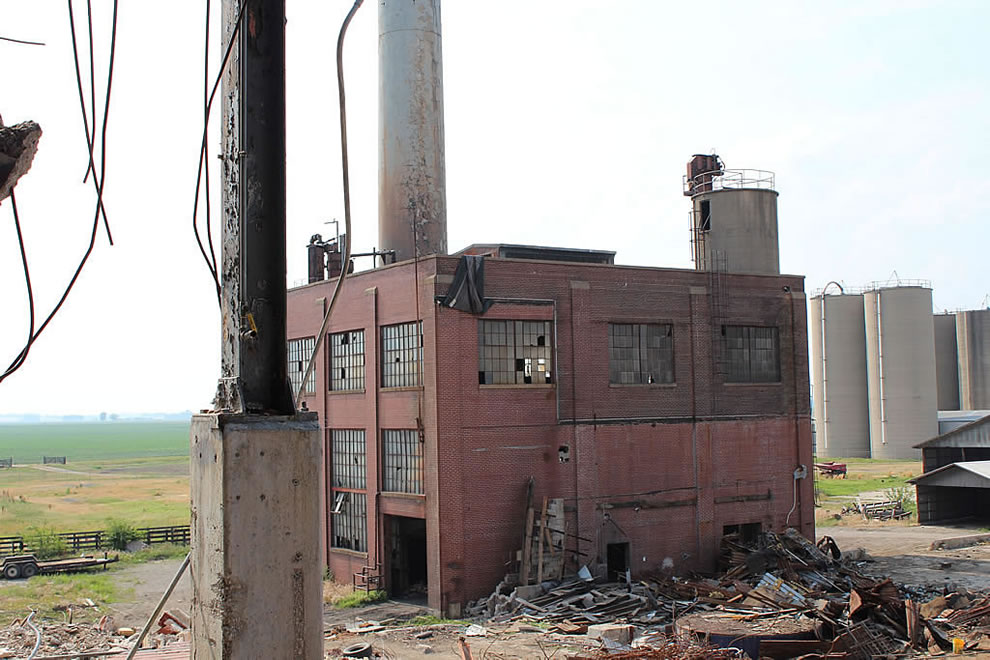 Abandoned Emge building with freddie's furnace at abandoned Emge Food Processing Plant