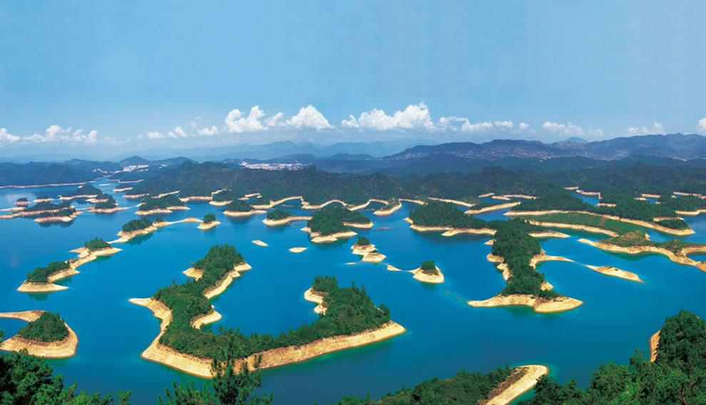 Thousand Island Lake (Qiandao Lake) en China se esconde una ciudad perdida bajo el agua