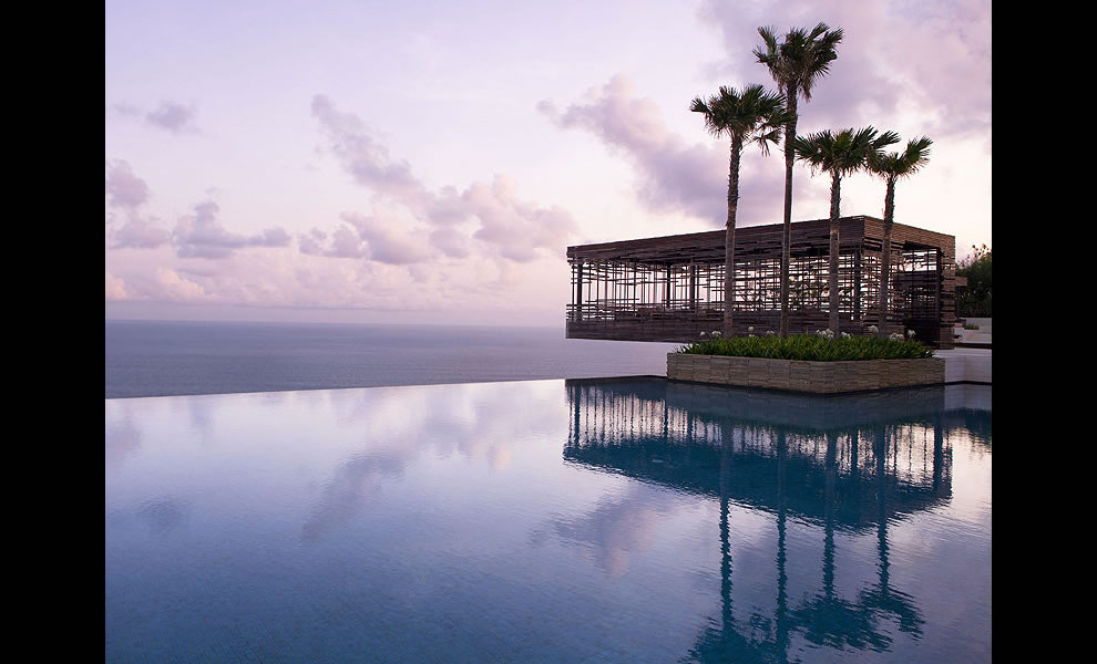 Infinity pool at Alila Villas Uluwatu in Bali