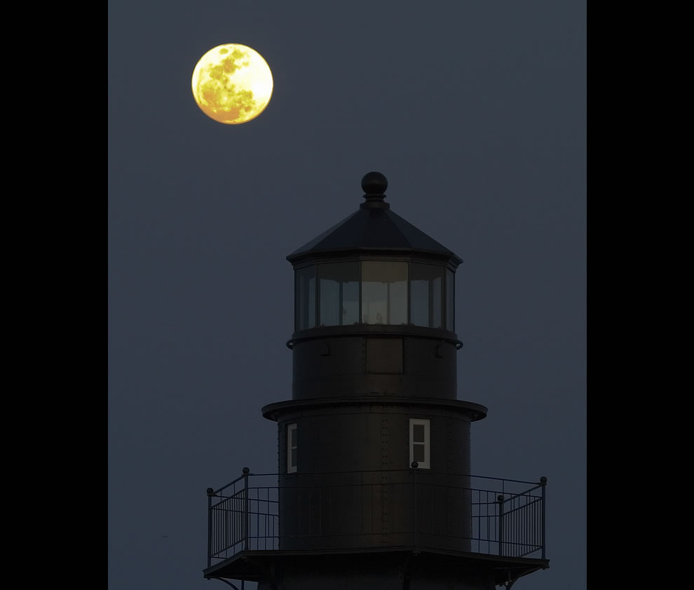 Fort Jefferson (Garden Key) Lighthouse with Full Moon