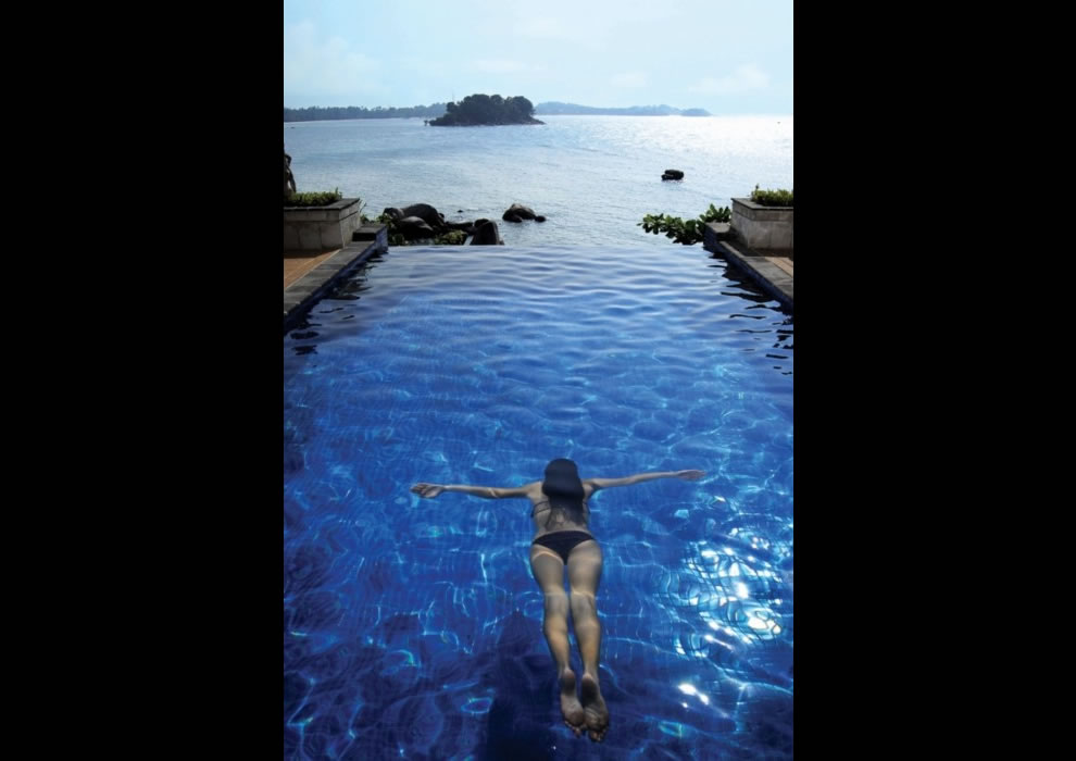 Infinity Pool, Indonesia