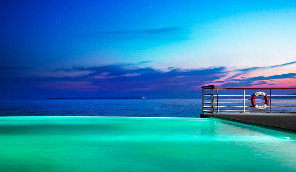 Infinity pool at Hotel Du Cap Eden Rock