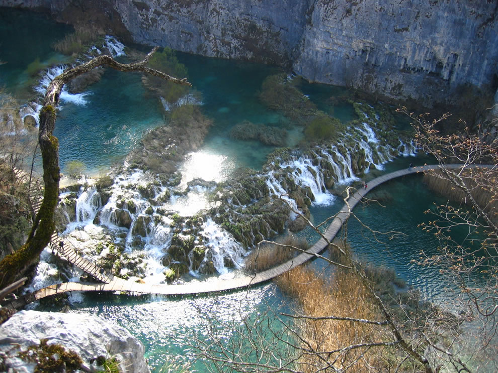 ational Park Plitvice Lakes Croatia Barrier between Gavanovac and Kaluđerovac