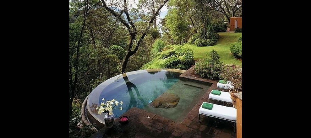 Outdoor living incredible infinity pool