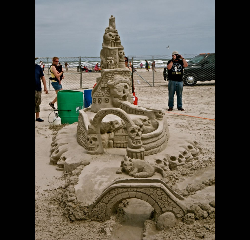 Black Dragon Sand Sculpture