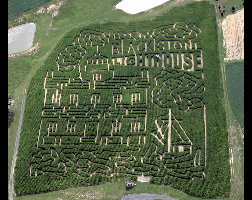 Blackstone lightouse corn maze