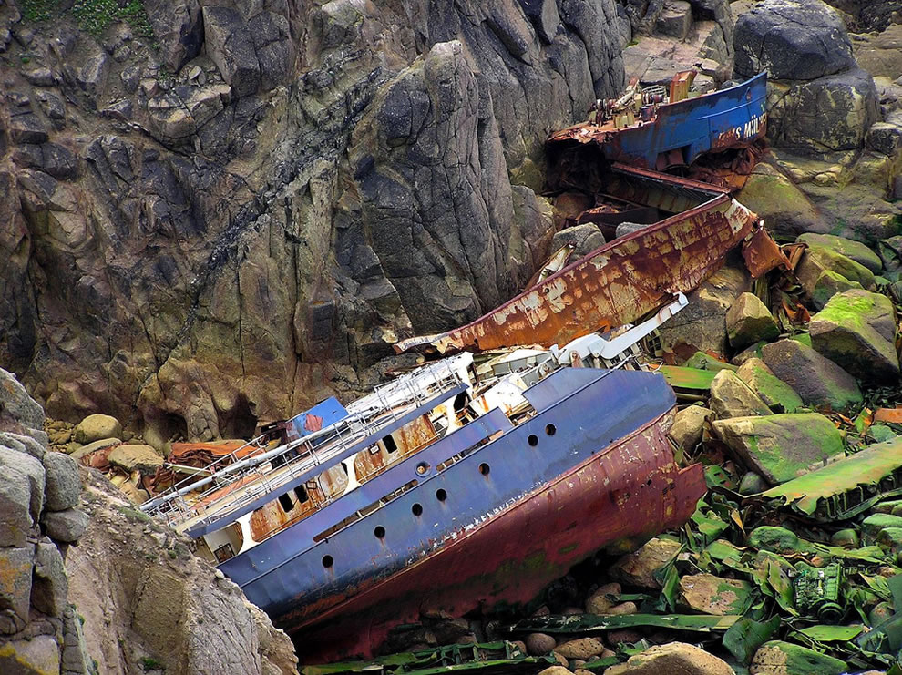 RMS Mulheim shipwreck lies beneath the cliffs at Lands end, Cornwall