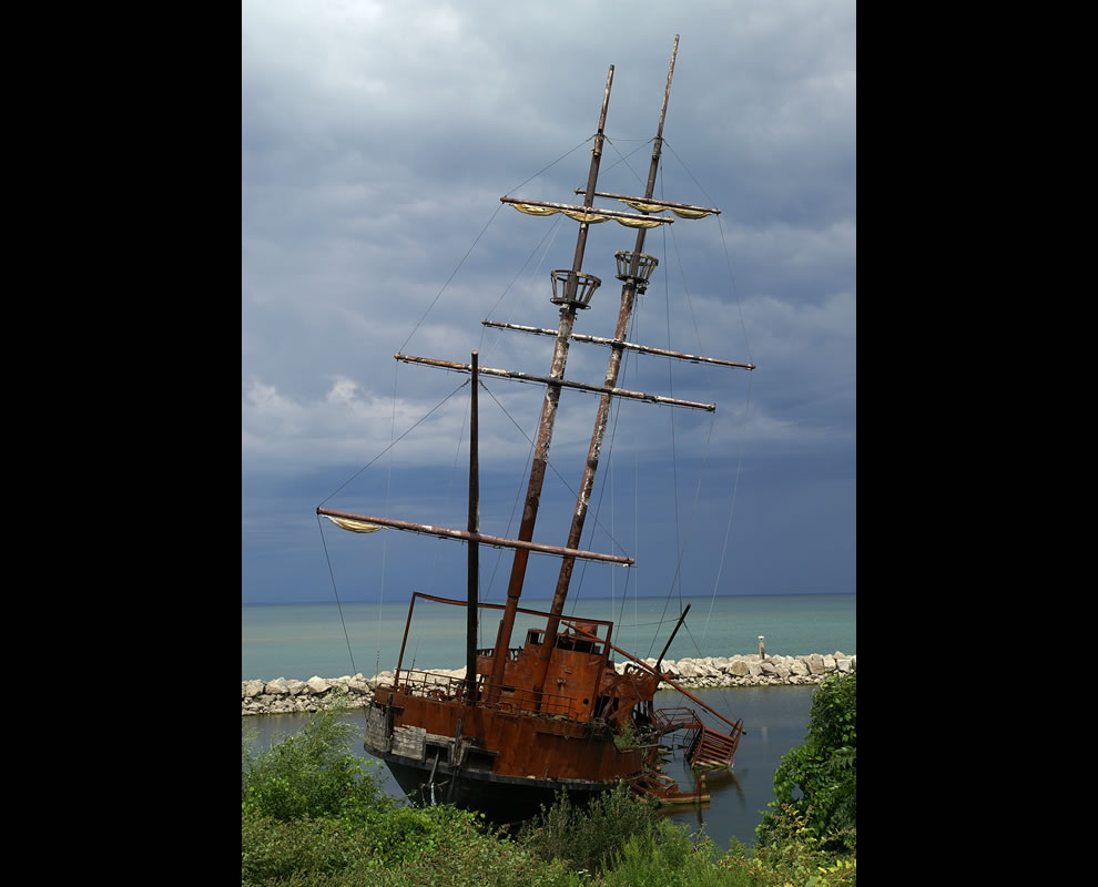 Replica of the 'la Grande Hermine' shipwrecked and burned