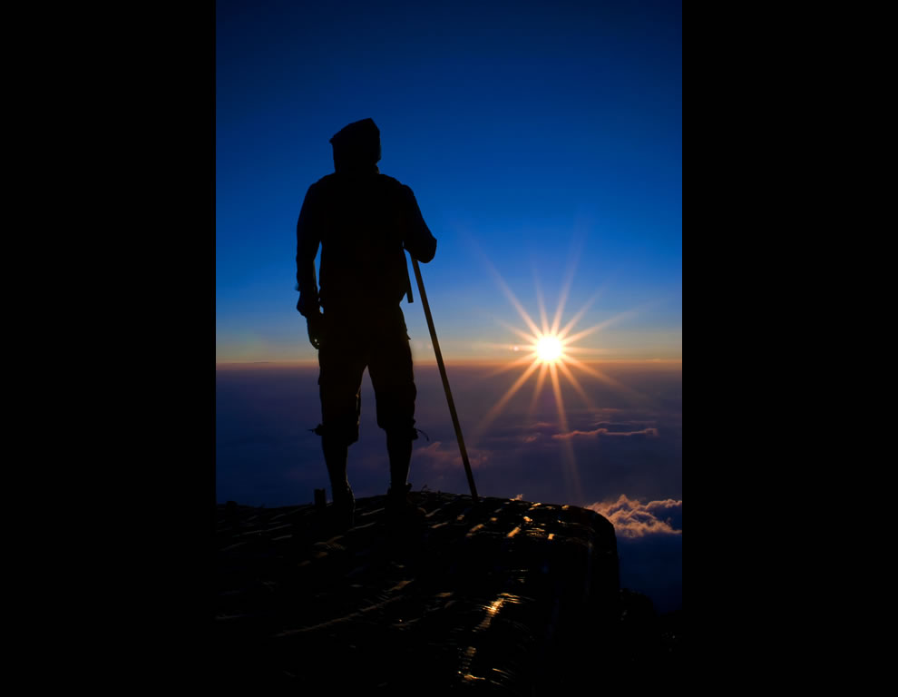 Sunrise and journey to the top of Mount Fuji