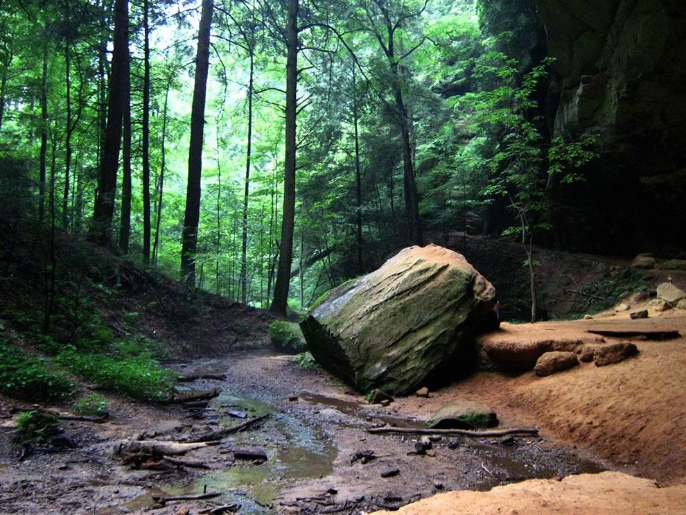 Ash Cave Boulder
