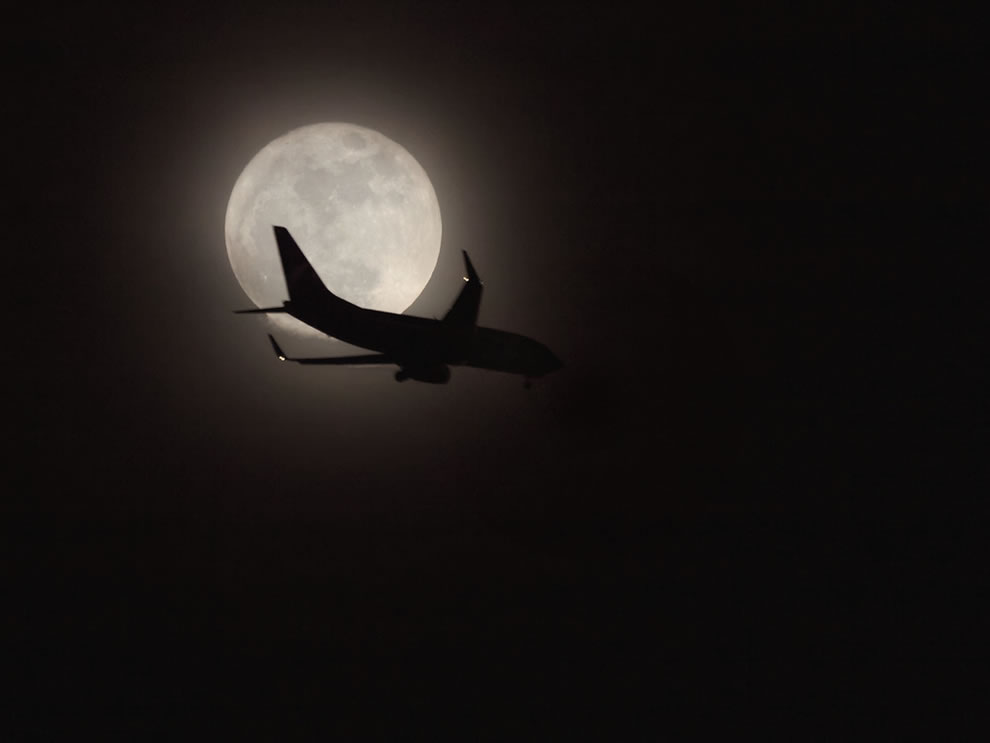 Jet Across the Super Moon