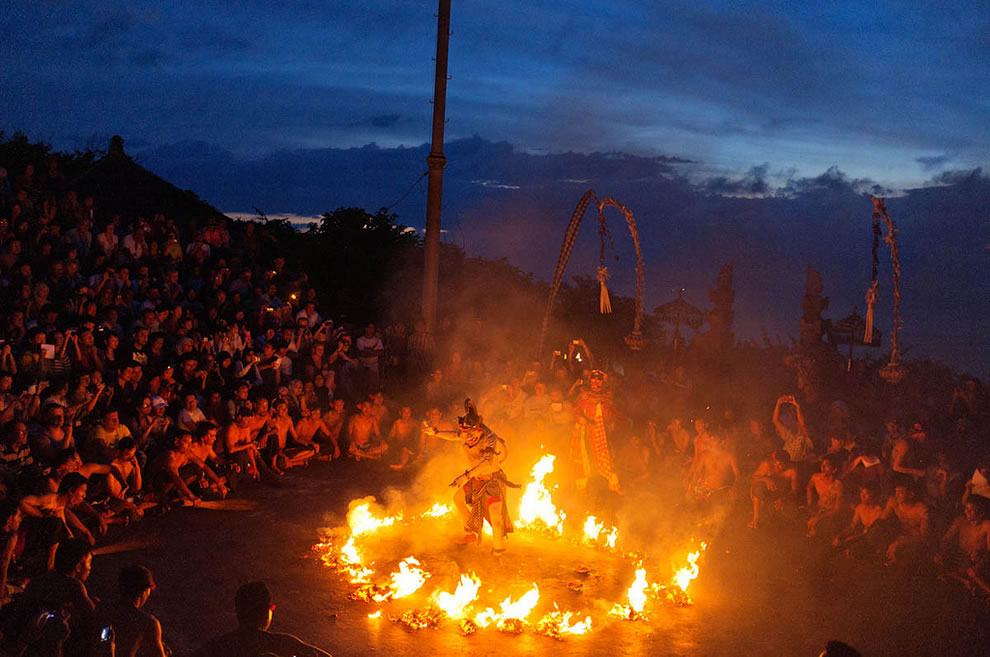 Ramayana Dance & The Circle of Fire at Uluwatu