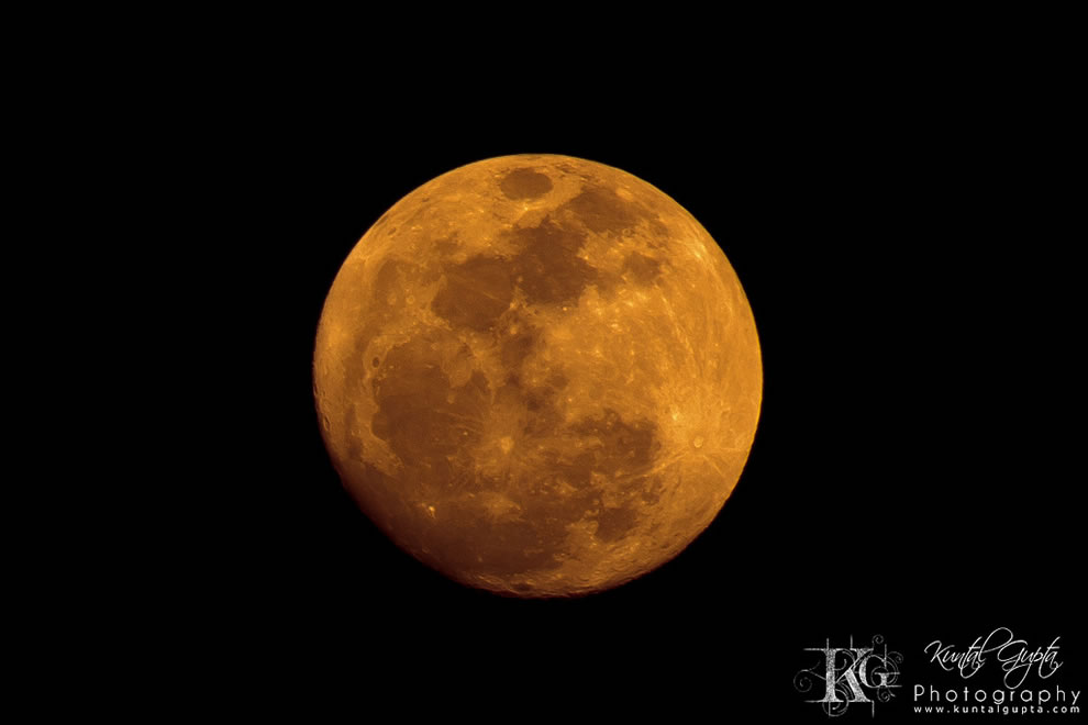 Red Moon over Sodepur, Kolkata